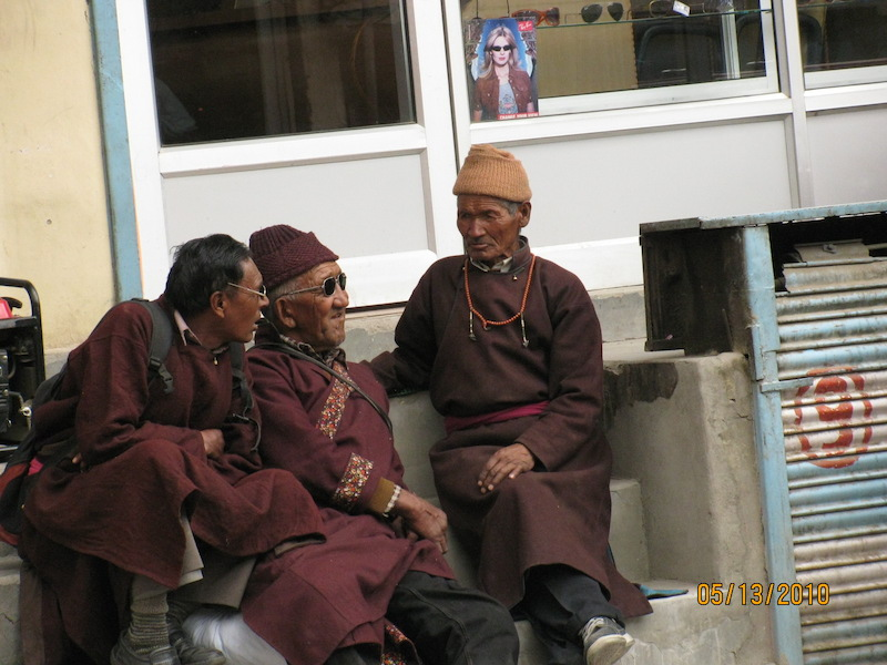 elders on leh main amrket